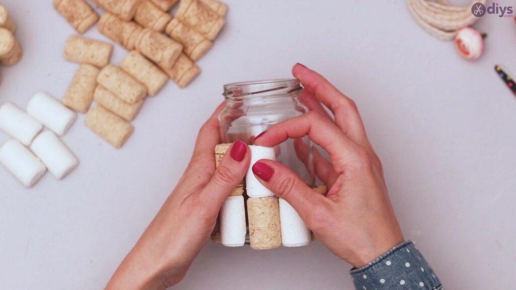 Diy wine cork flower vase (13)