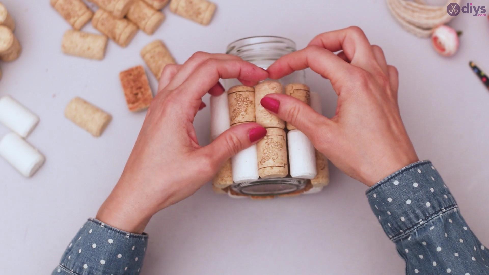 Diy wine cork flower vase (14)