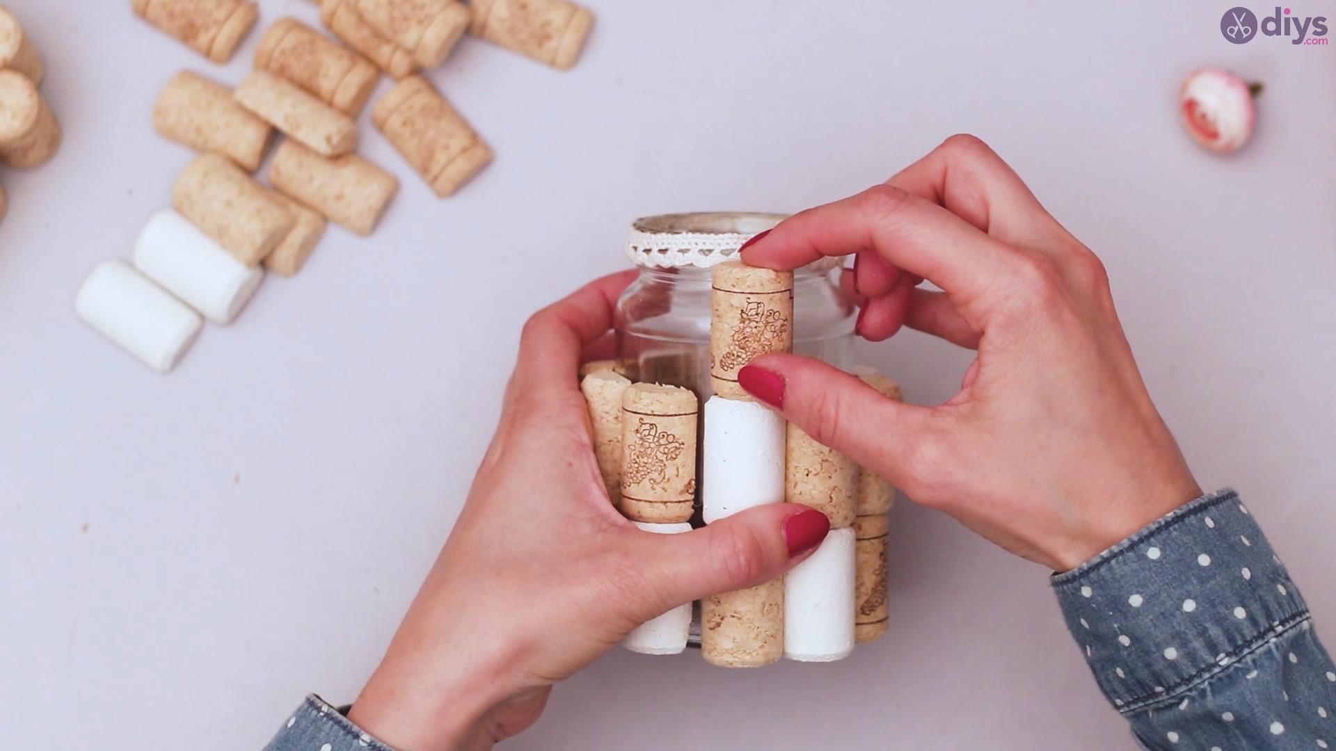 Diy wine cork flower vase (23)