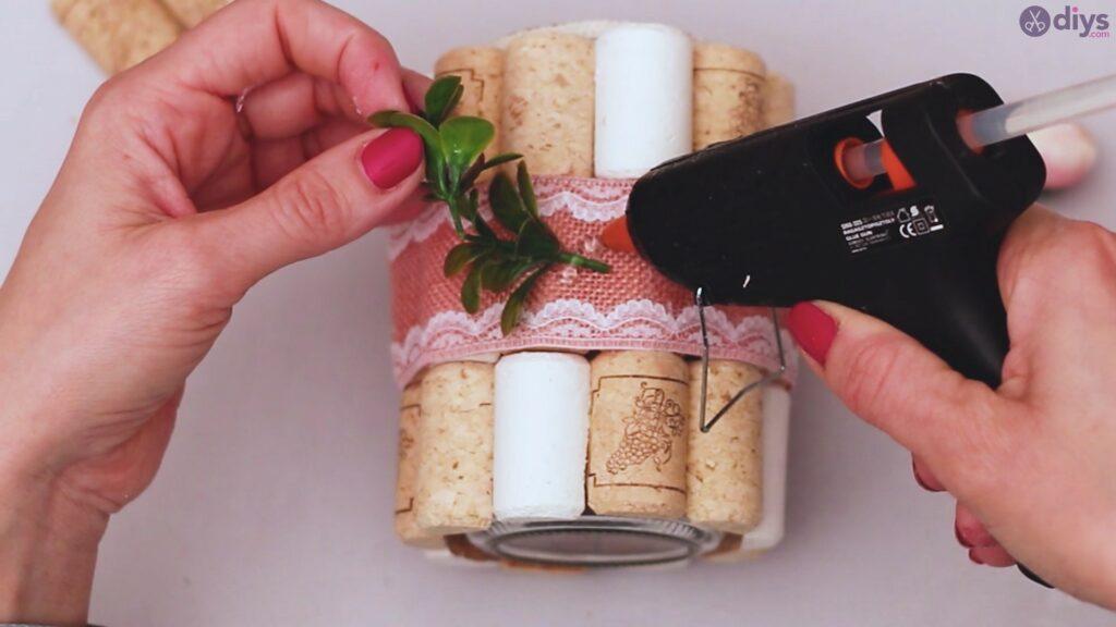 Diy wine cork flower vase (38)