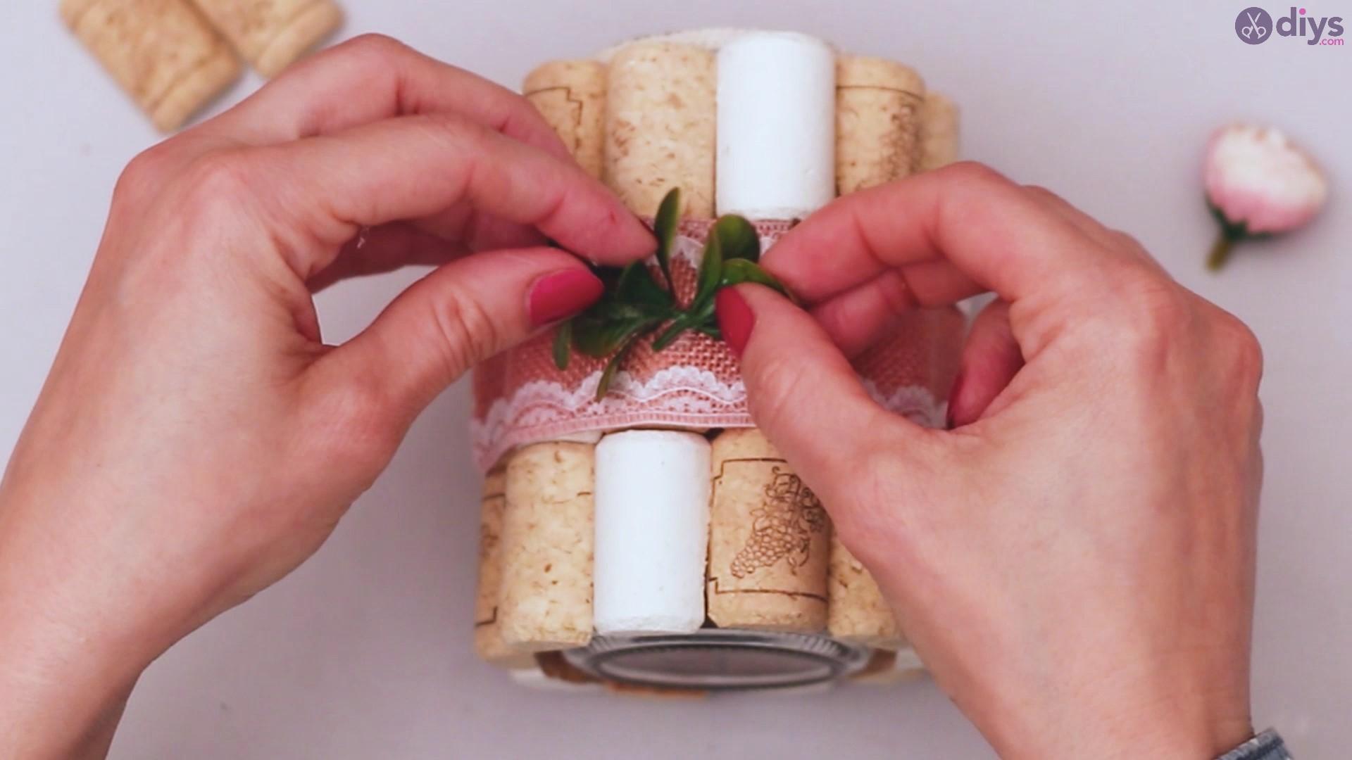 Diy wine cork flower vase (39)