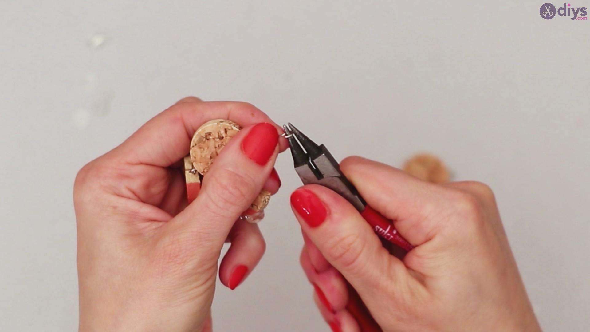 Diy wine cork necklace (38)