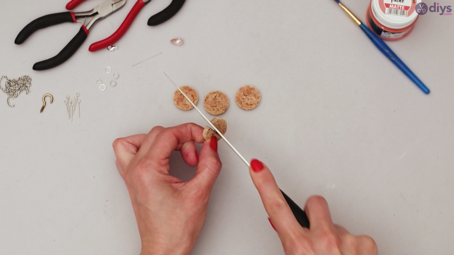 Diy wine cork necklace (4)