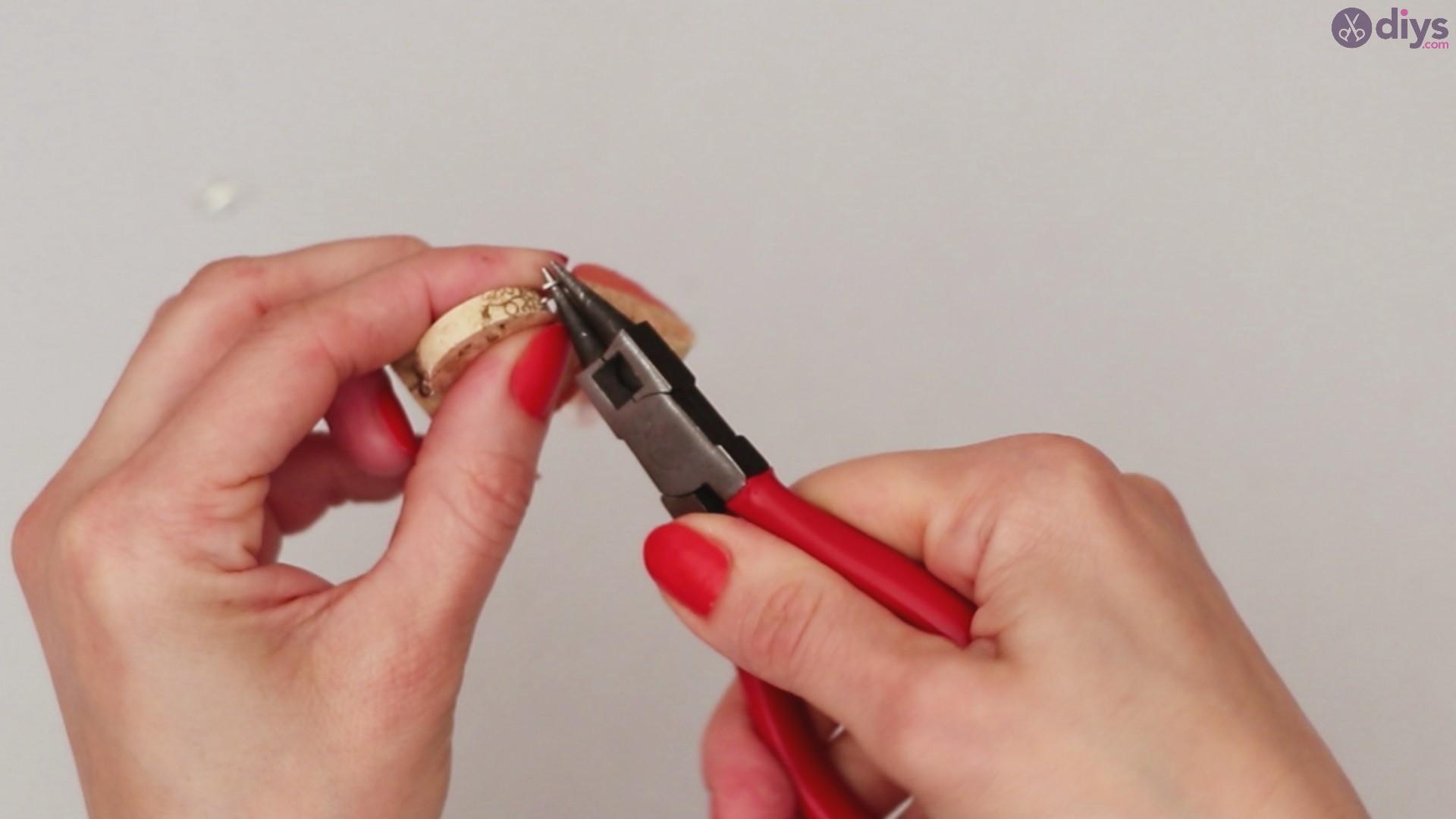 Diy wine cork necklace (41)