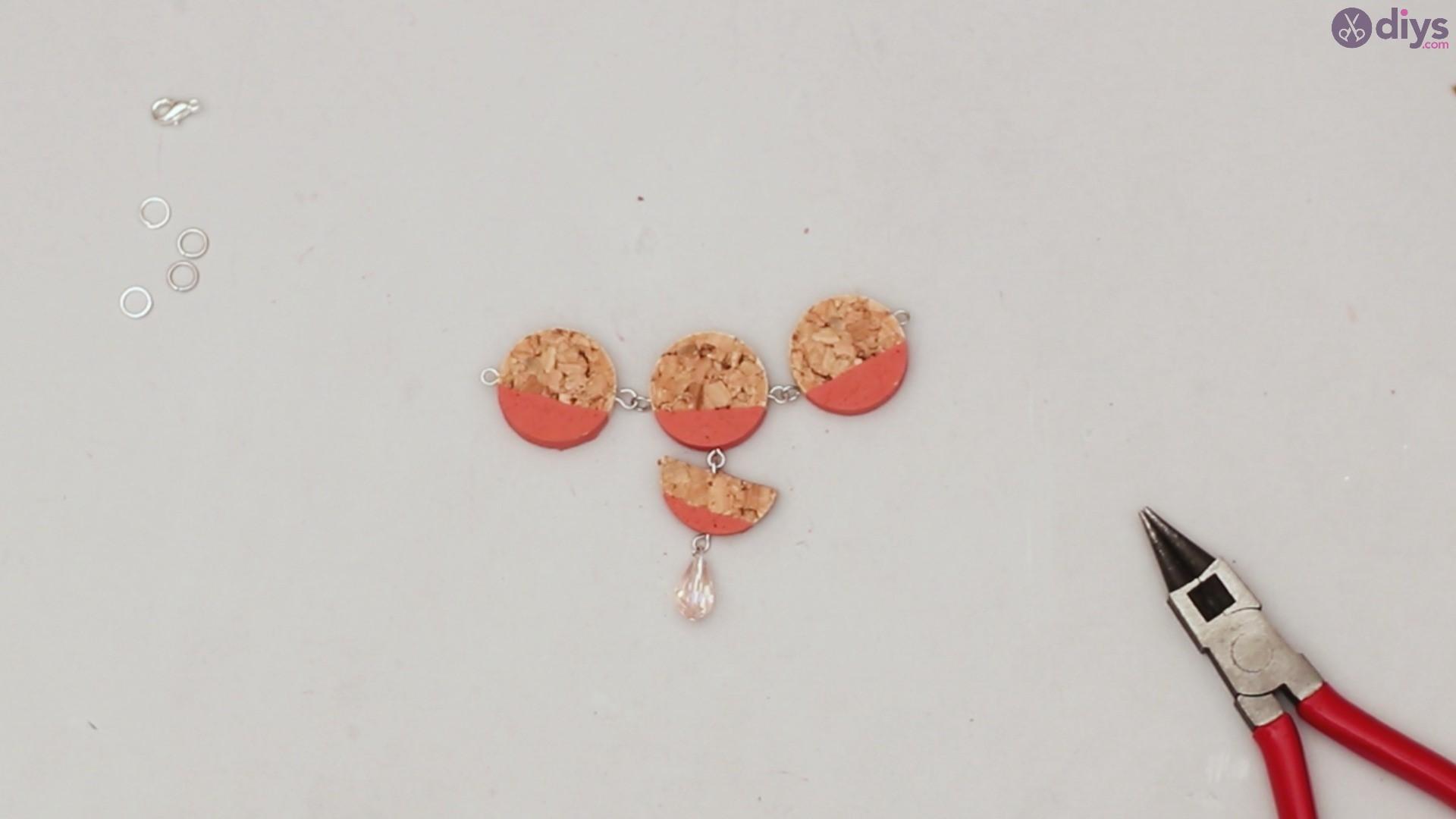 Diy wine cork necklace (43)