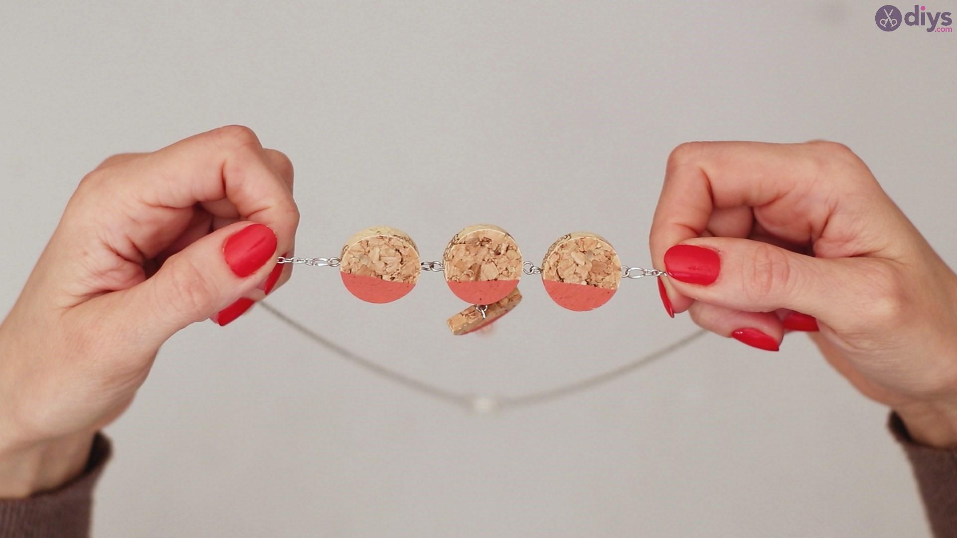 Diy wine cork necklace (55)