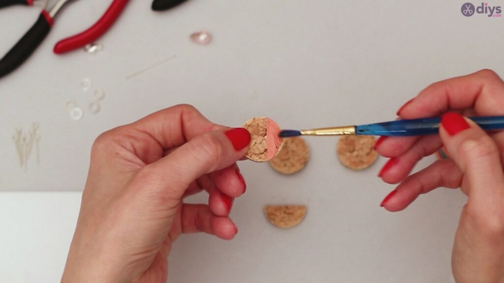 Diy wine cork necklace (6)
