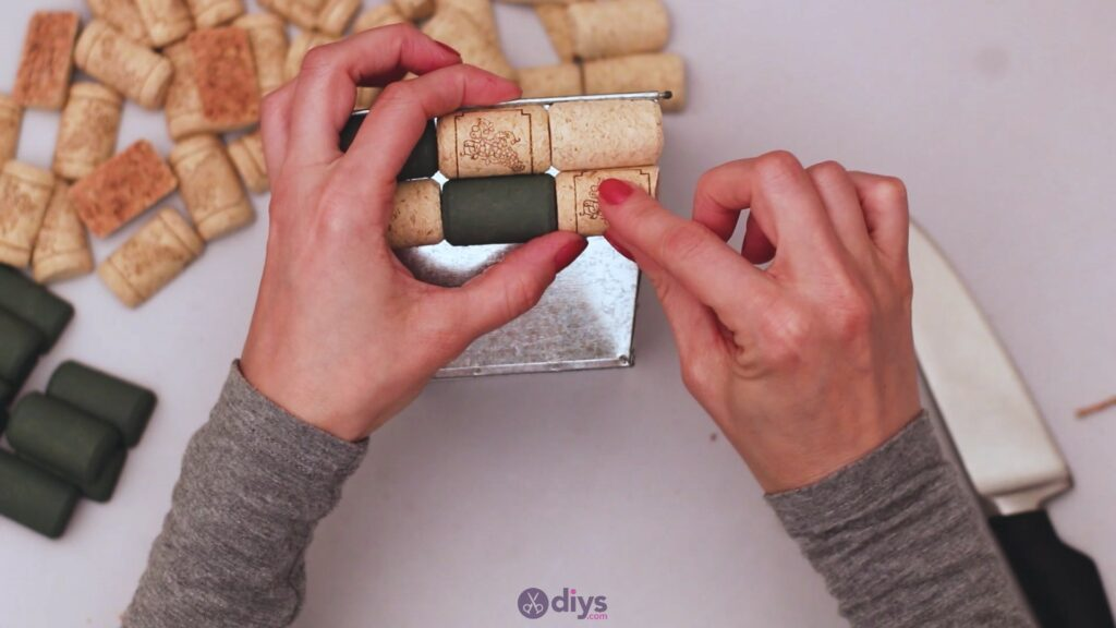 Diy wine cork planter (17)