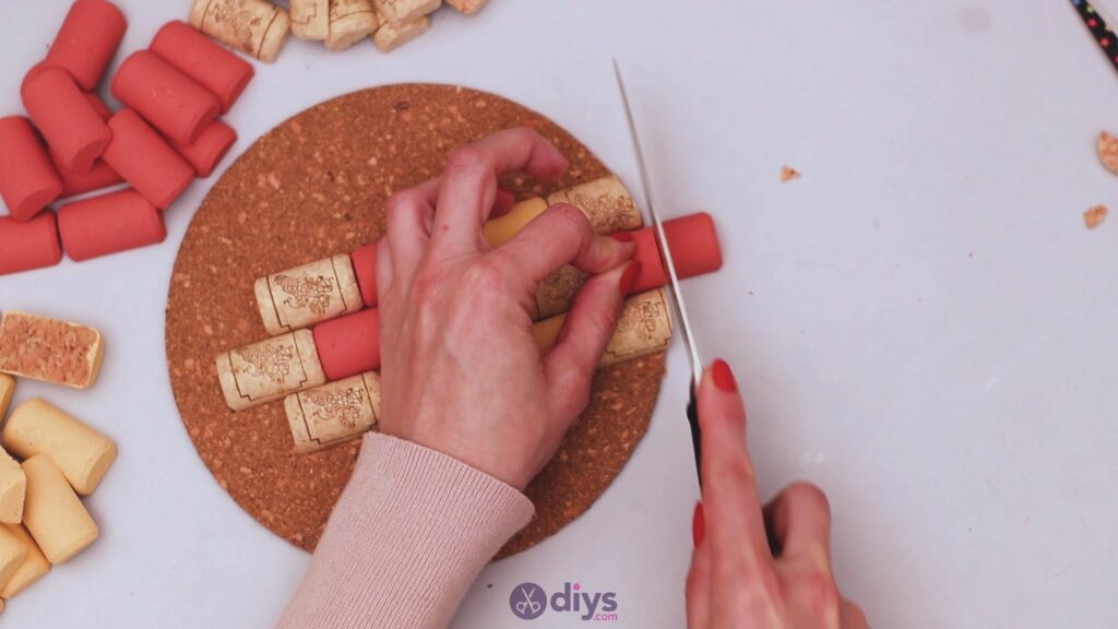 Diy wine cork trivet (23)