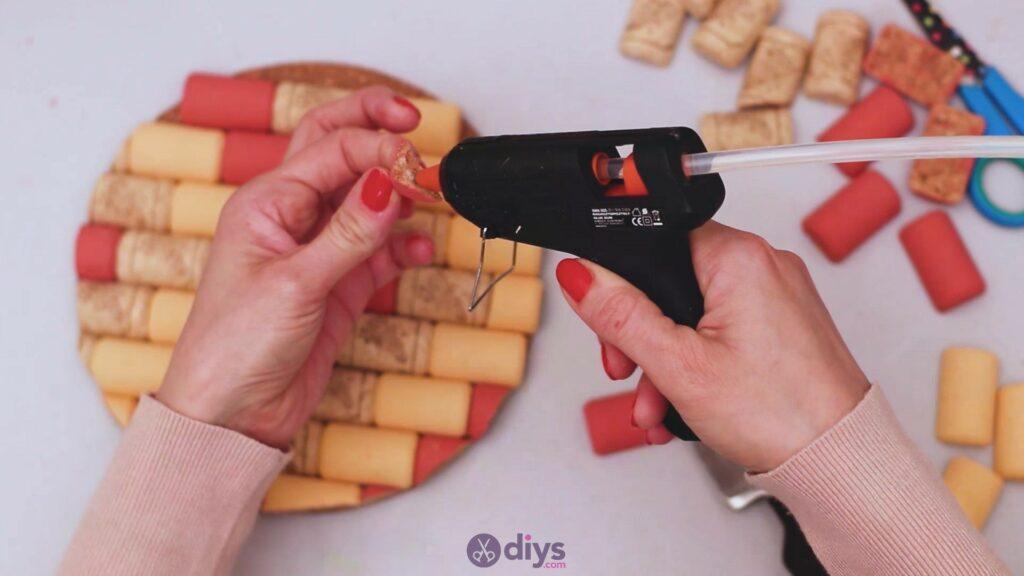 Diy wine cork trivet (32)