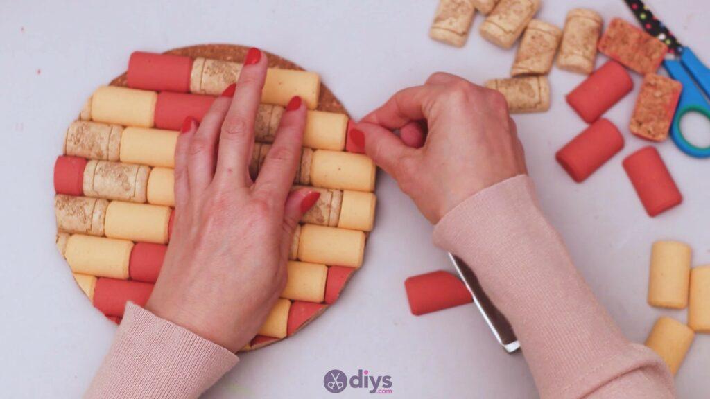 Diy wine cork trivet (33)