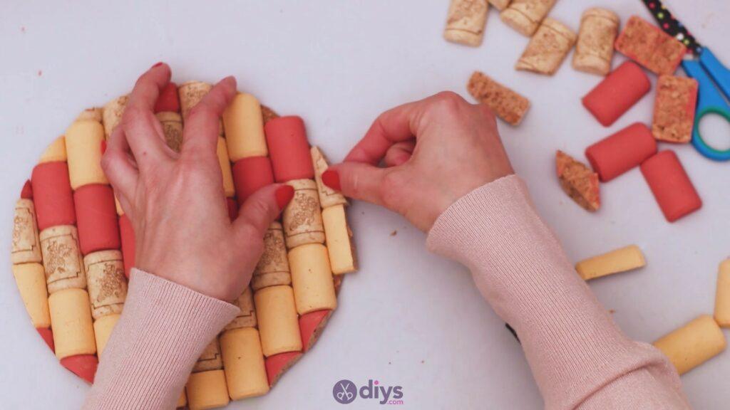 Diy wine cork trivet (35)
