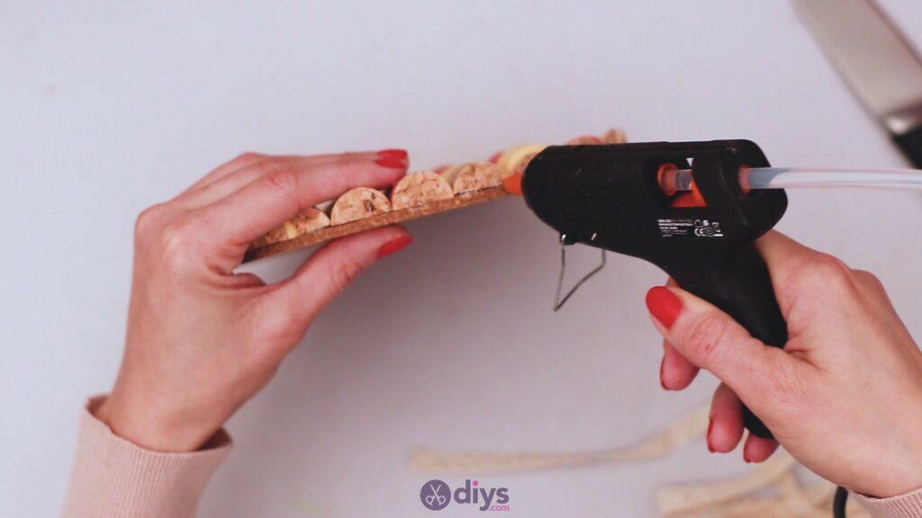 Diy wine cork trivet (38)