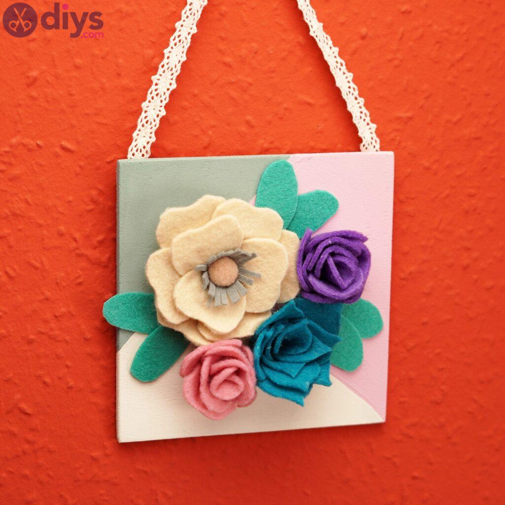 Felt flowers wall art pics (7)