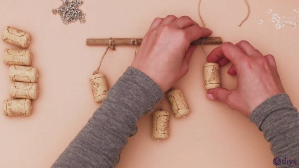 Hanging wine corks (15)
