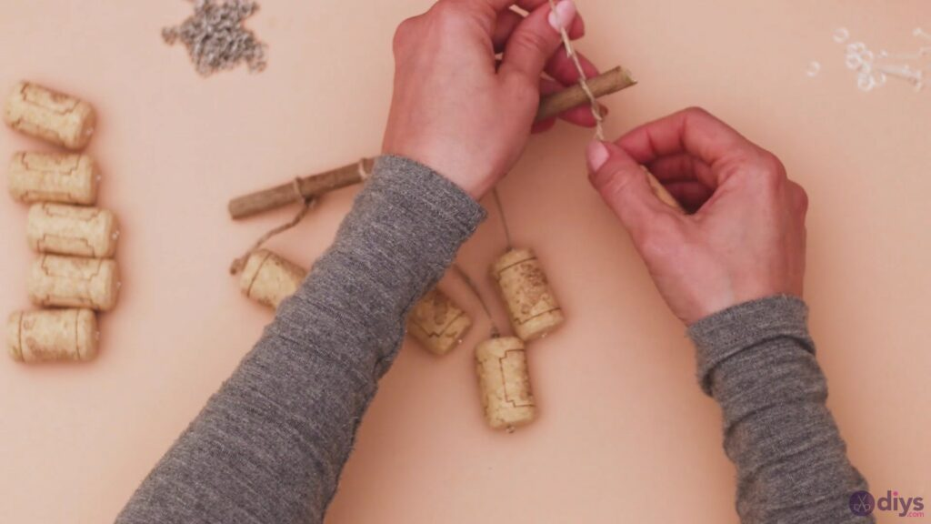 Hanging wine corks (16)