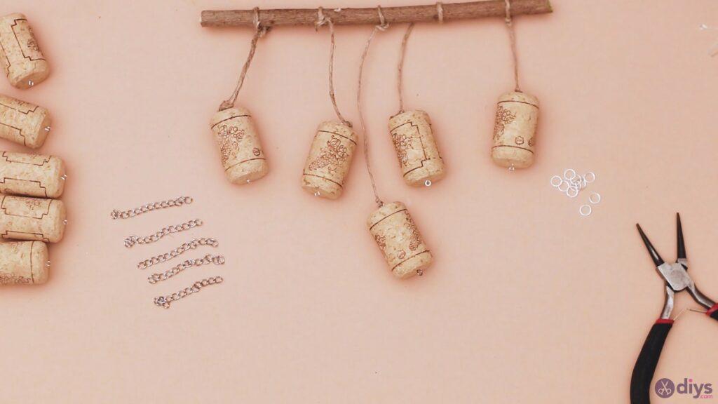 Hanging wine corks (20)