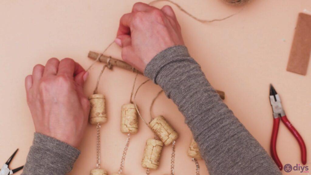 Hanging wine corks (44)