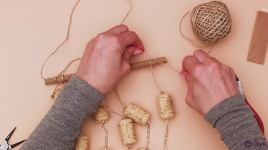 Hanging wine corks (45)