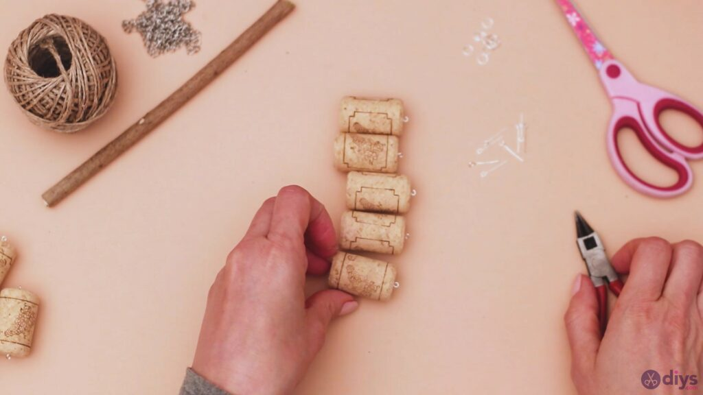 Hanging wine corks (6)