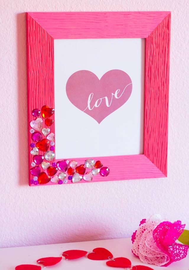 Jewel valentine frame