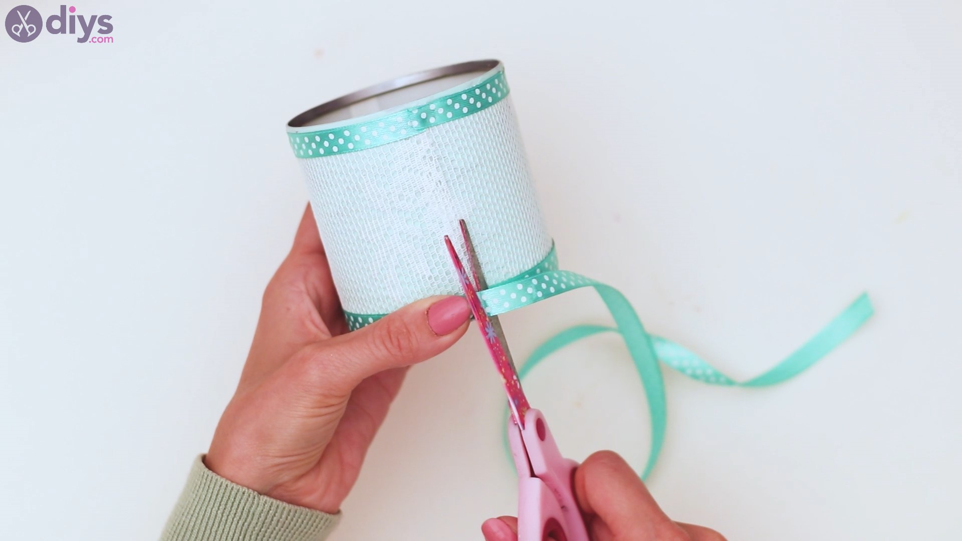 Lace tin can holder steps (36)