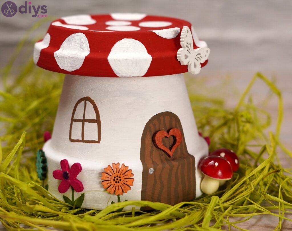 Mushroom house (2)