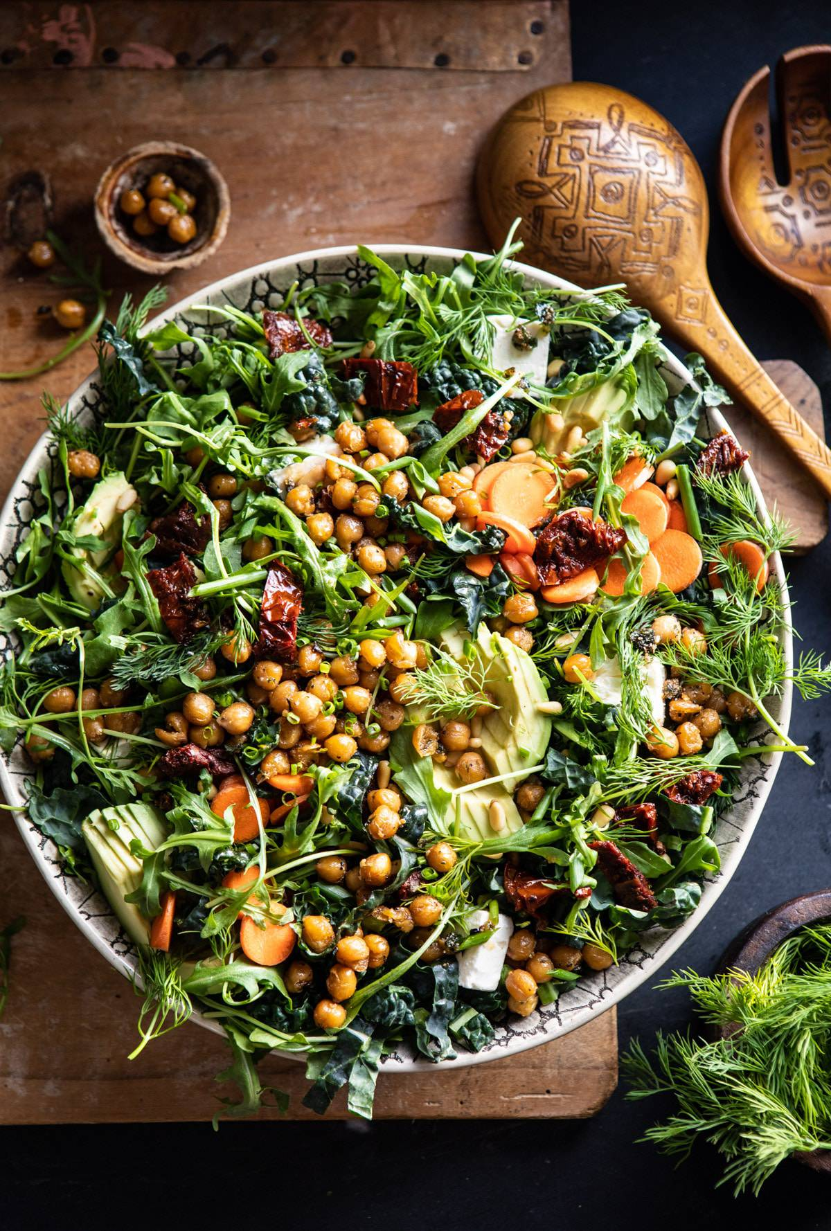 Super green sun dried tomato herb salad with crispy chickpeas 1