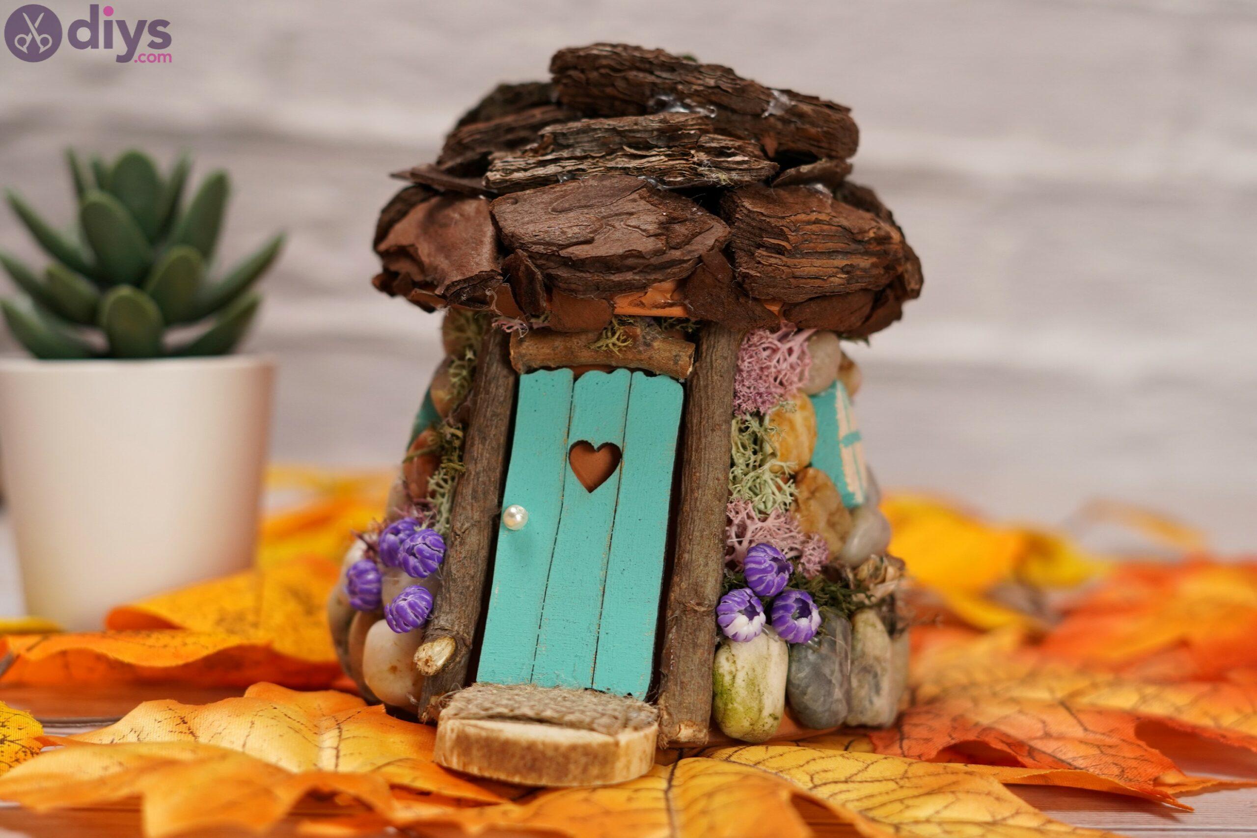 Tiny garden house photos (4)