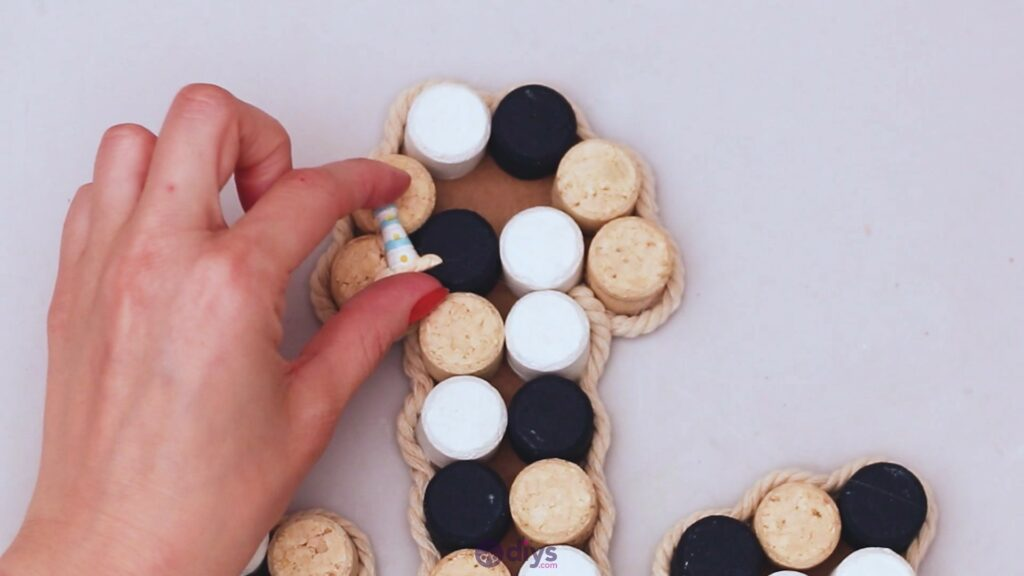 Wine cork anchor decor (47)