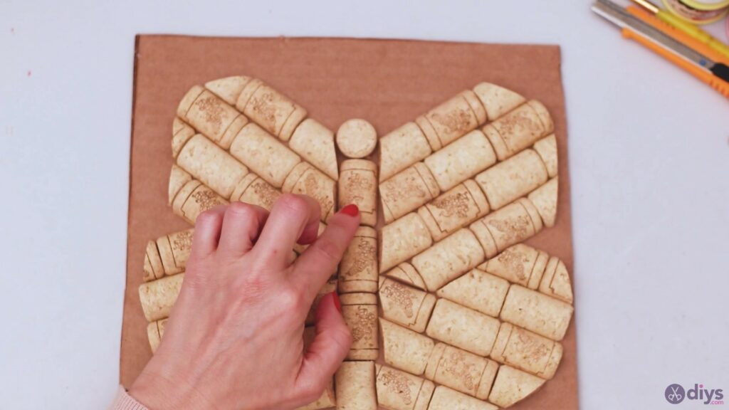 Wine cork butterfly decor (20)