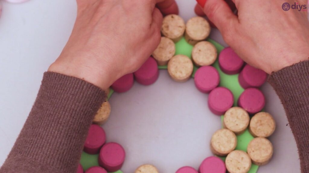Wine cork floral wreath (23)