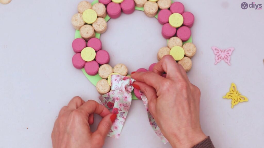 Wine cork floral wreath (52)