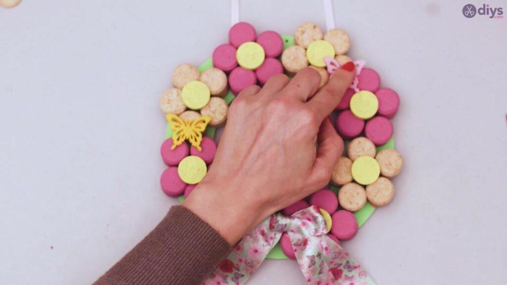 Wine cork floral wreath (55)