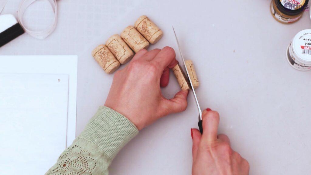 Wine cork jewellery holder (6)