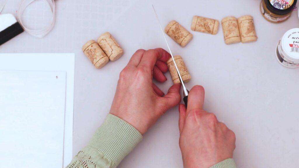 Wine cork jewellery holder (7)