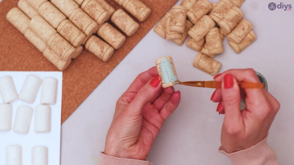 Wine cork napkin holder (10)