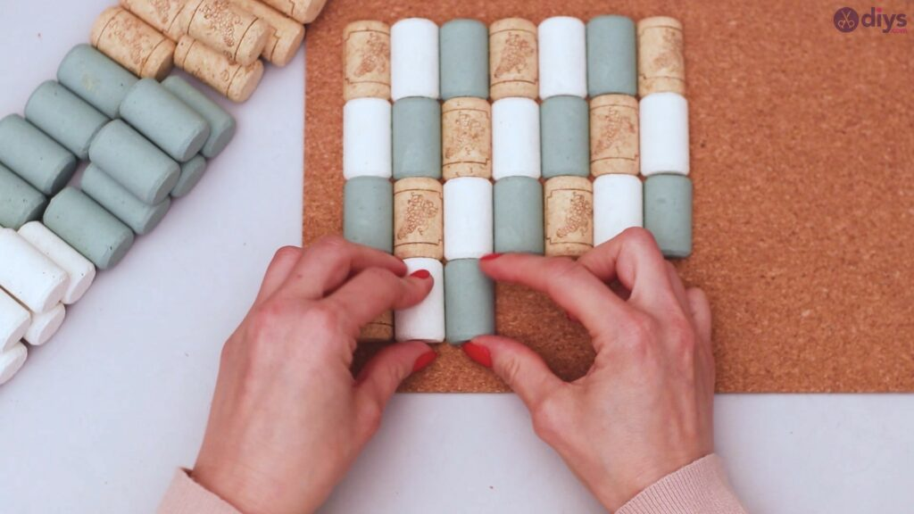 Wine cork napkin holder (25)