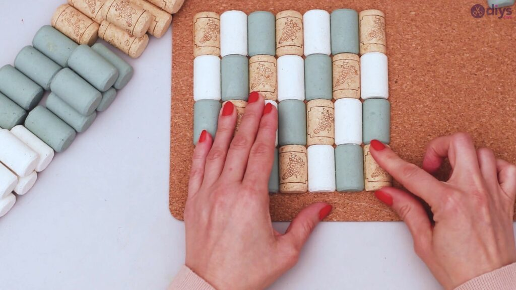 Wine cork napkin holder (26)