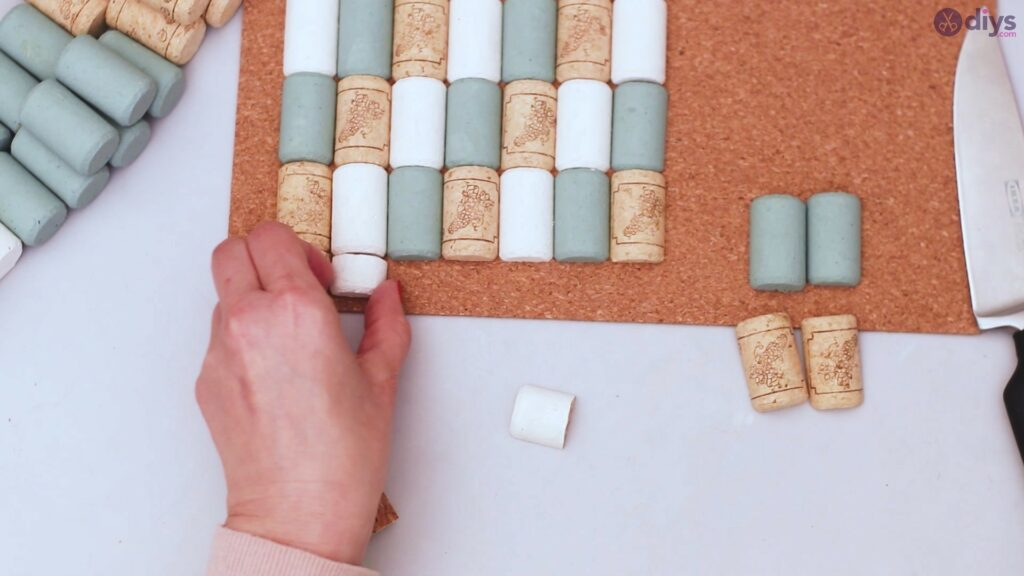 Wine cork napkin holder (31)