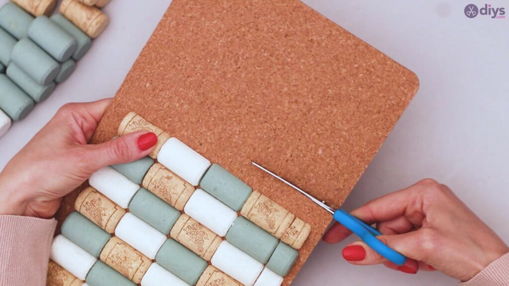 Wine cork napkin holder (33)