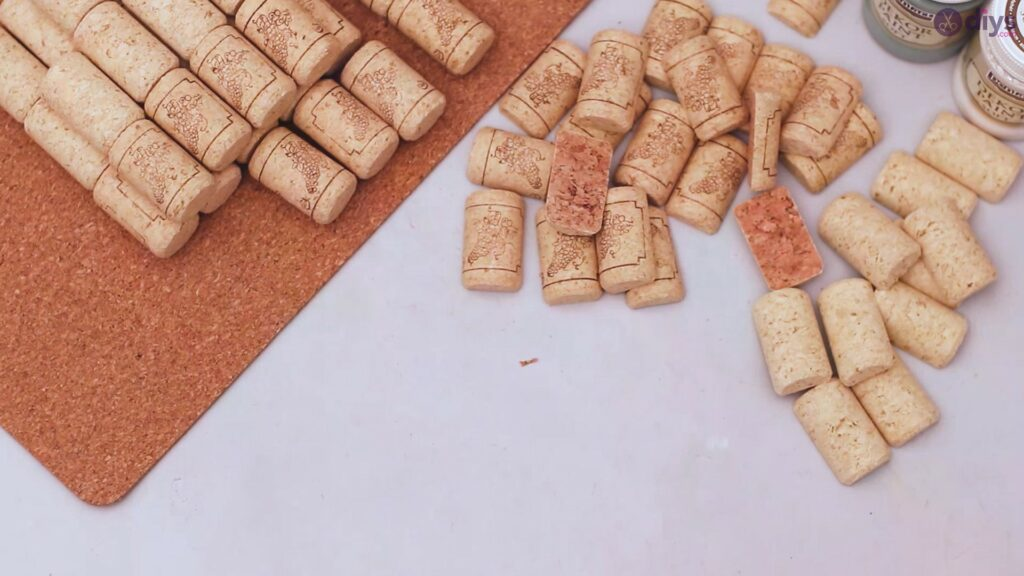 Wine cork napkin holder (4)