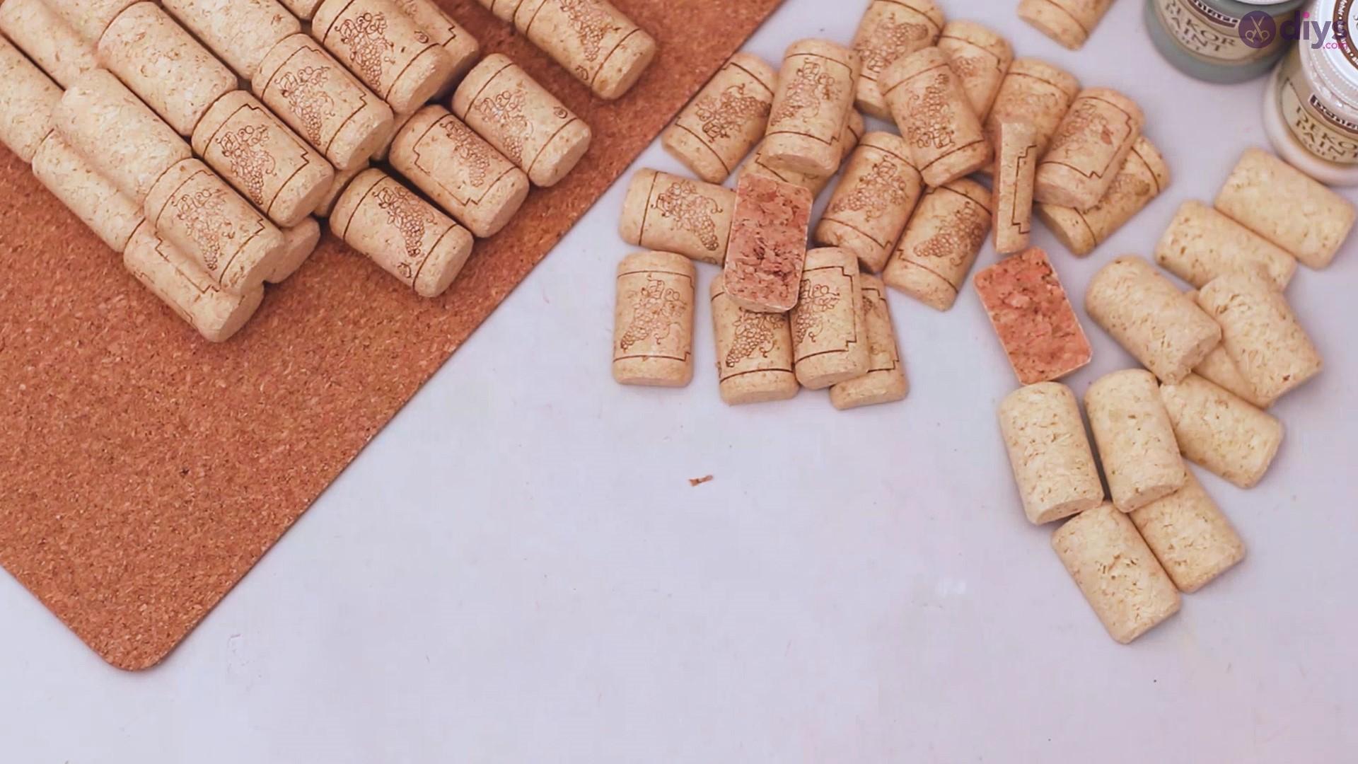 Wine cork napkin holder (4)