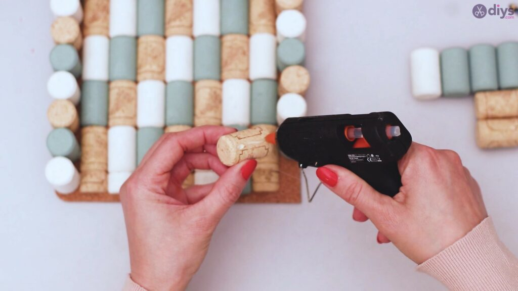 Wine cork napkin holder (40)