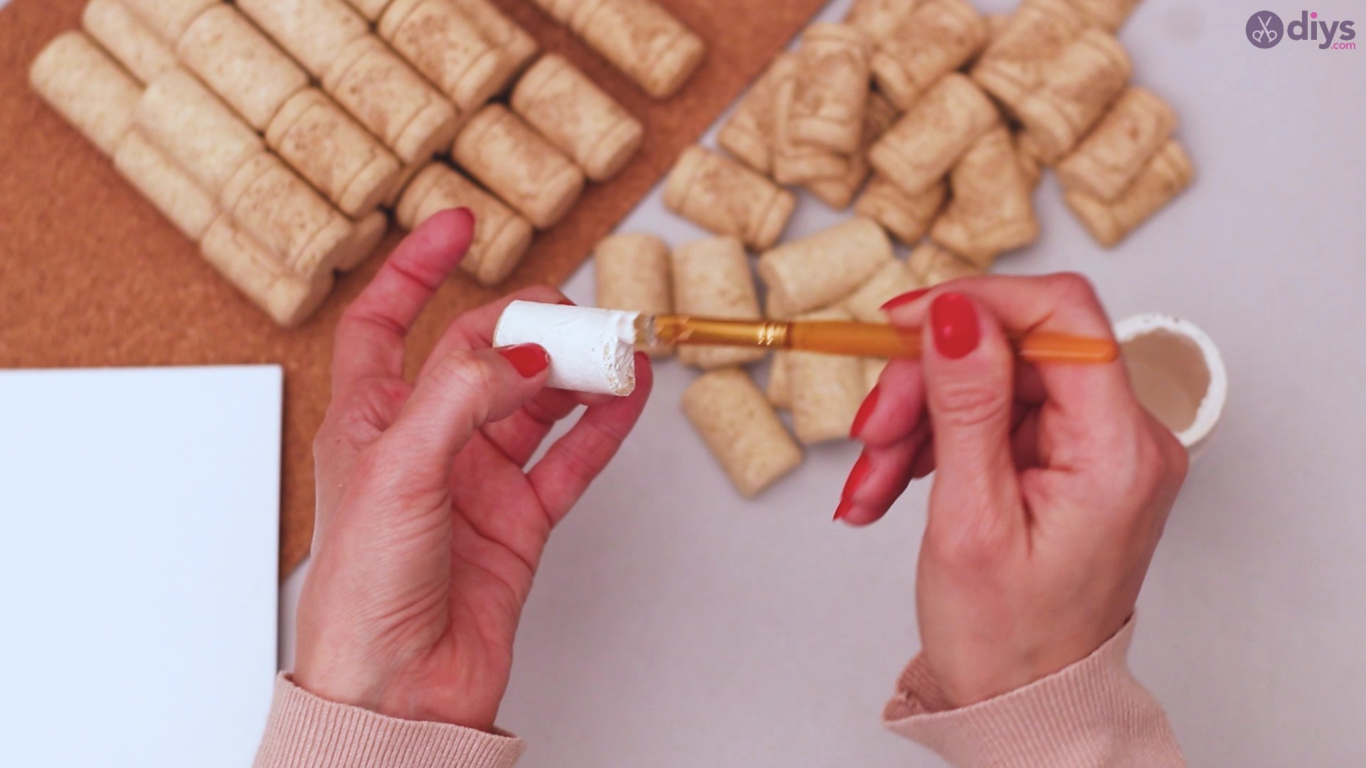 Wine cork napkin holder (6)