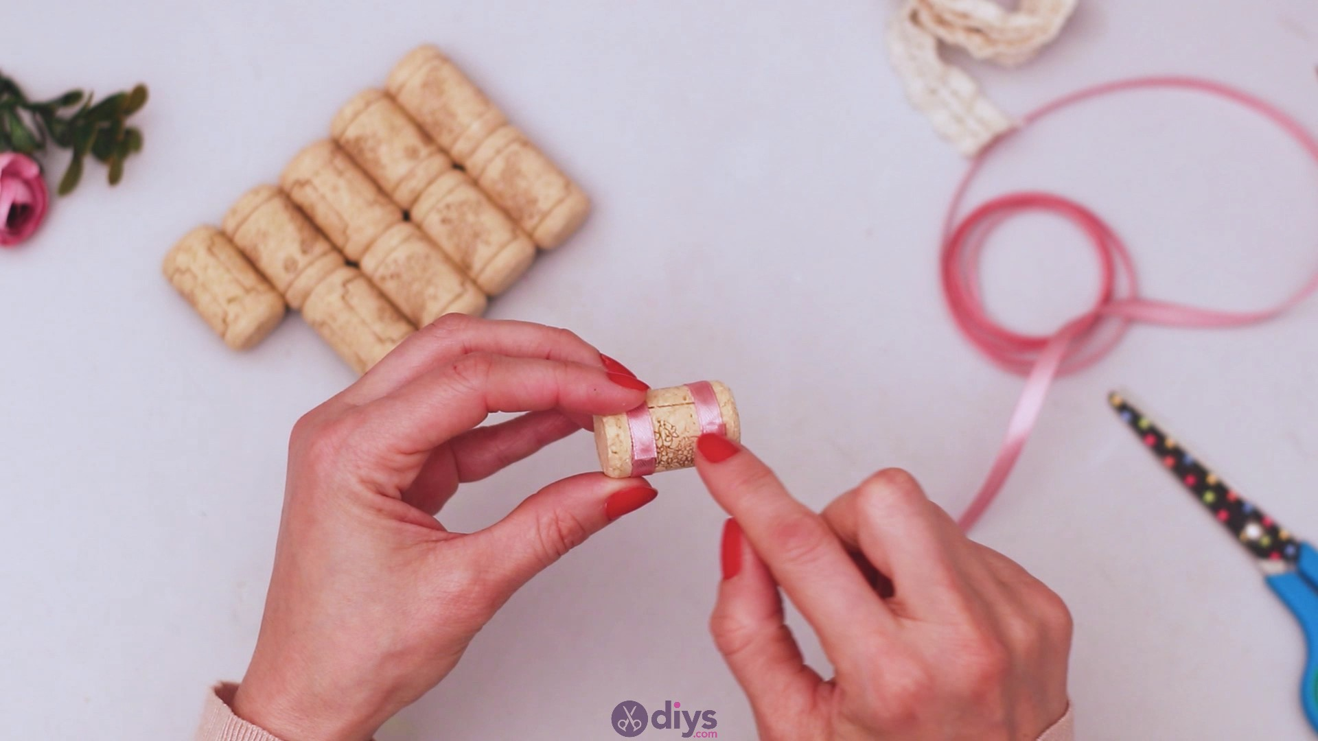 Wine cork soap rack (12)