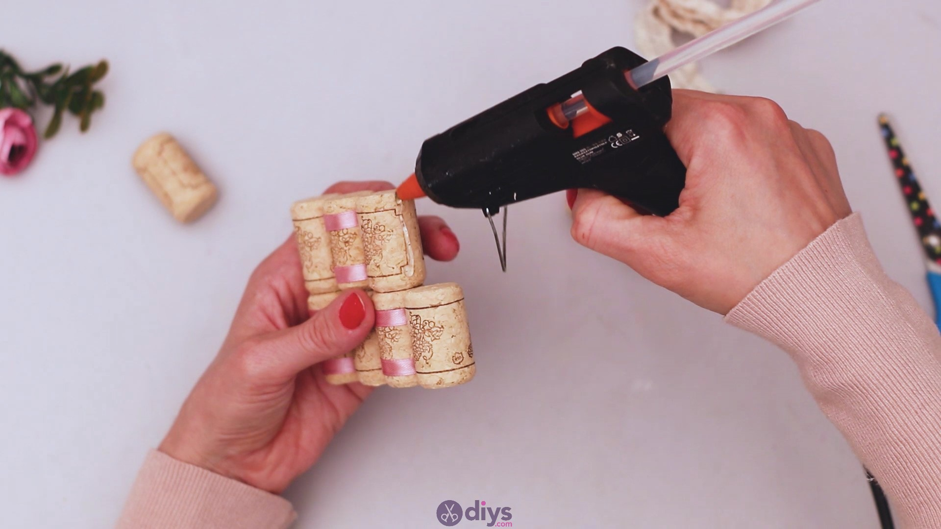 Wine cork soap rack (24)