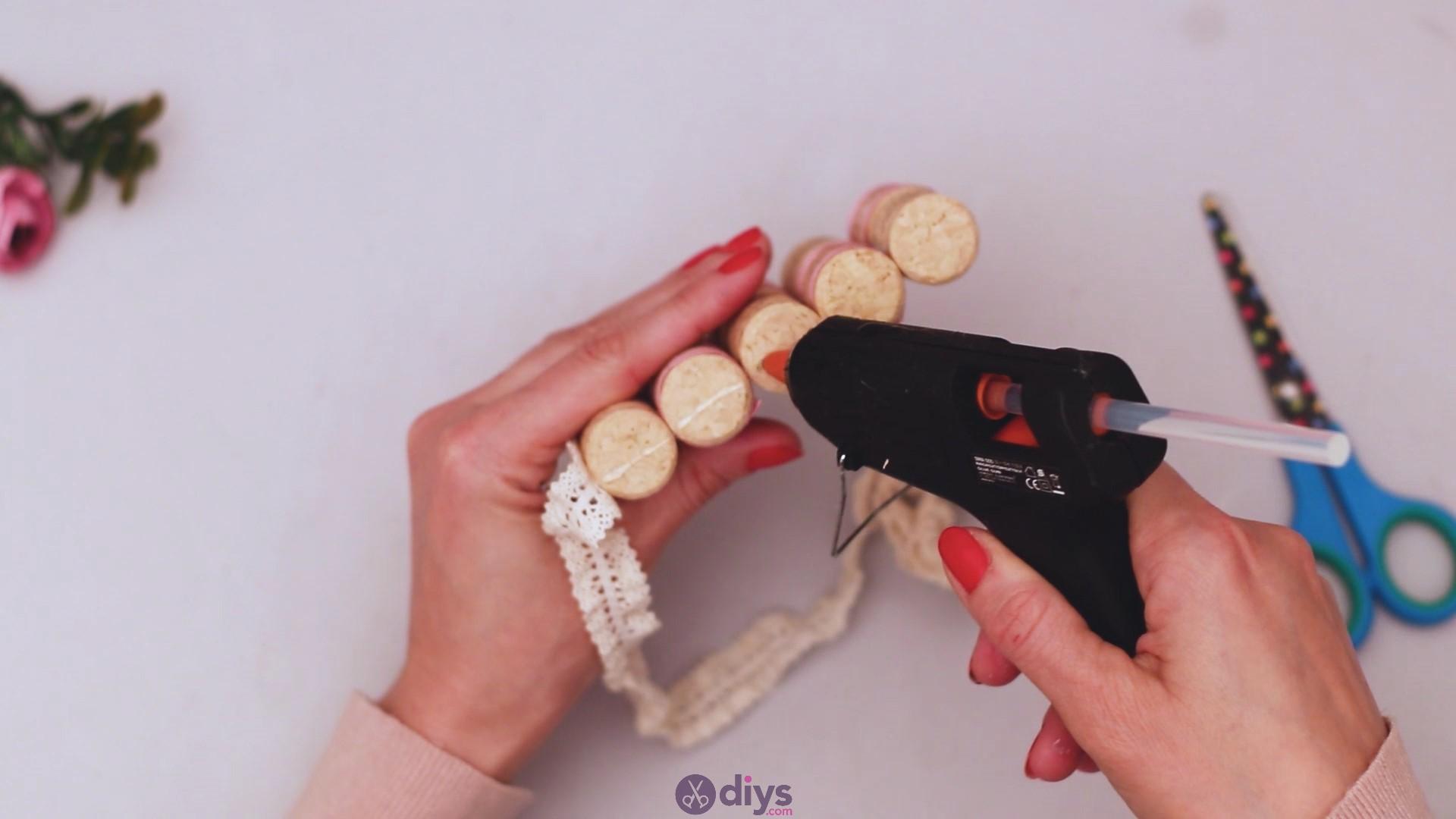 Wine cork soap rack (29)