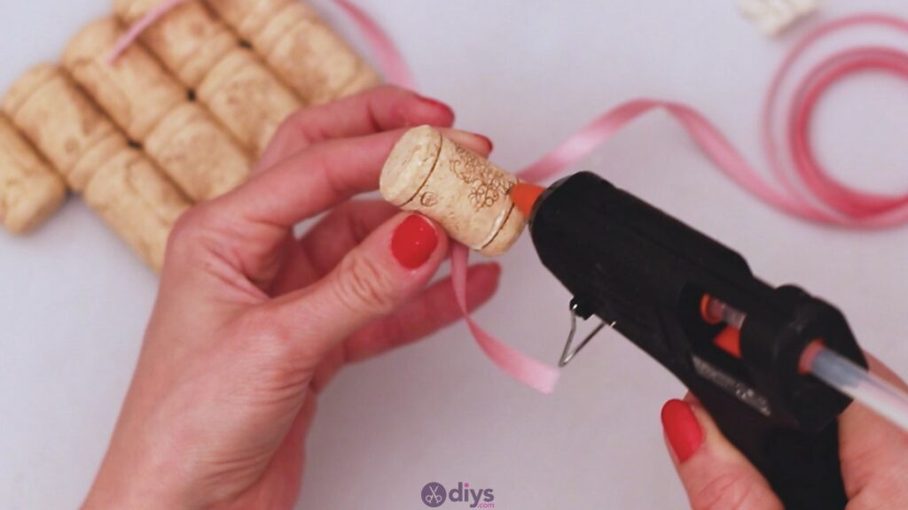 Wine cork soap rack (3)