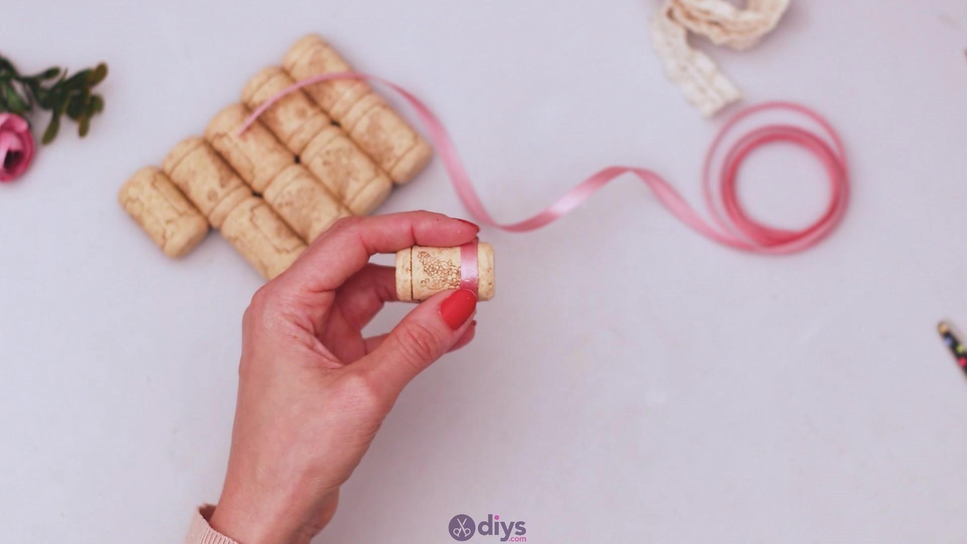 Wine cork soap rack (6)